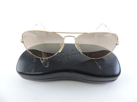 Ray-Ban Aviators Large Metal Sunglasses with Case  (241440L)