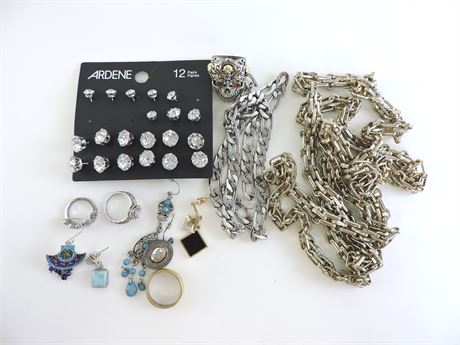 Property Bag Assorted Fashion Jewelry/Items (227638F)